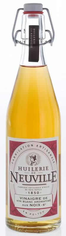 Vinaigre de vin blanc aux noix - Vinaigre blanc contre les puces ...
